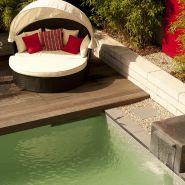 Schwimmen im eigenen Garten