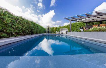 Pools & Whirlpools
